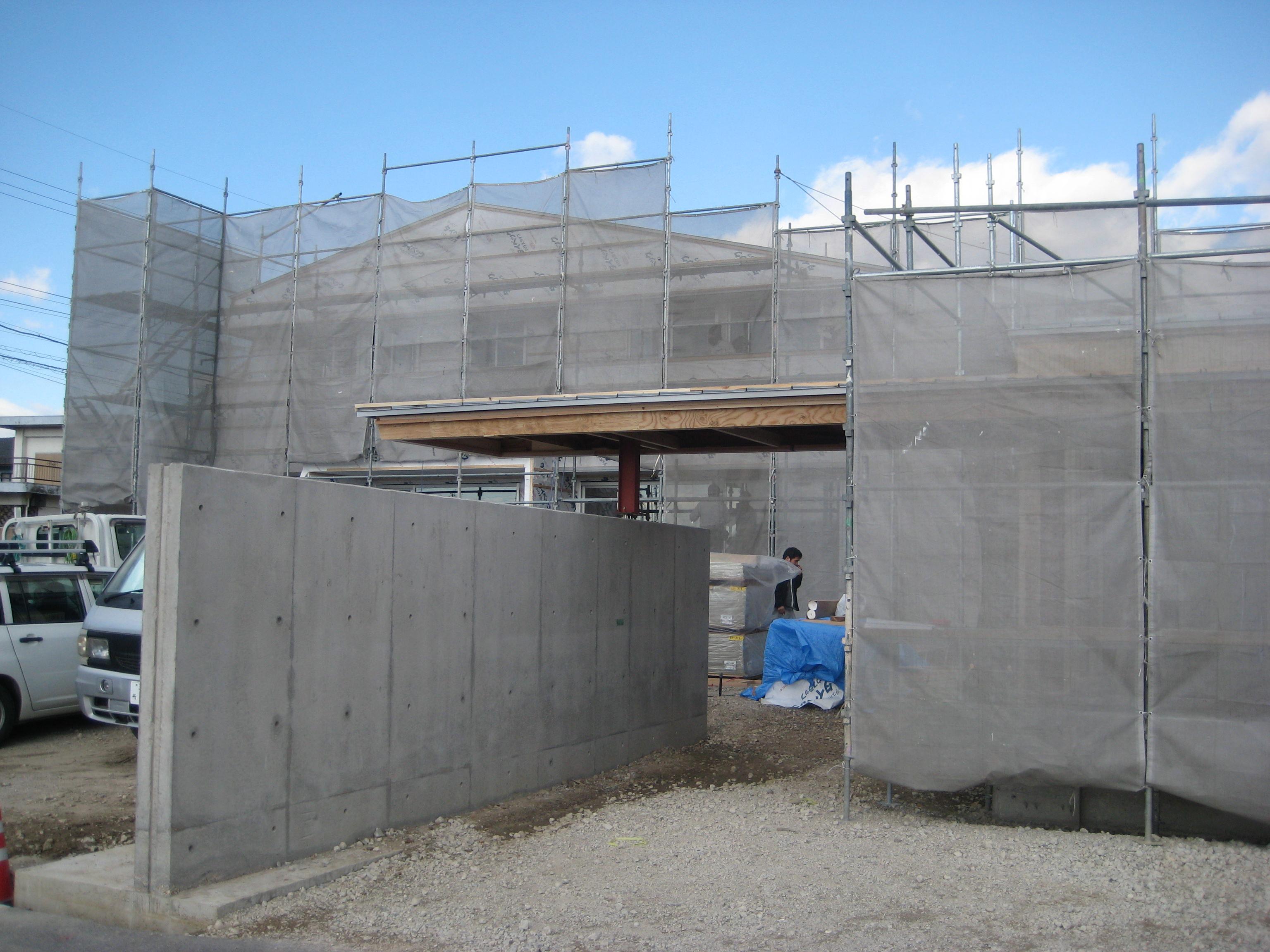 愛知県西尾市「白珪の家」木造+鉄骨造 車庫+門