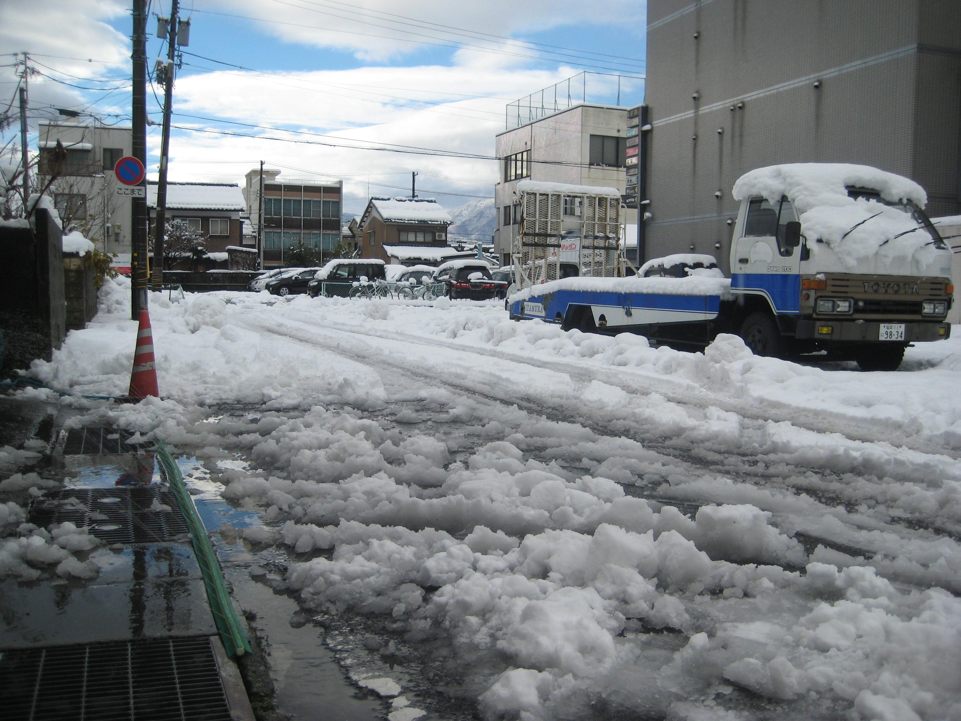 福井県敦賀市は銀世界。