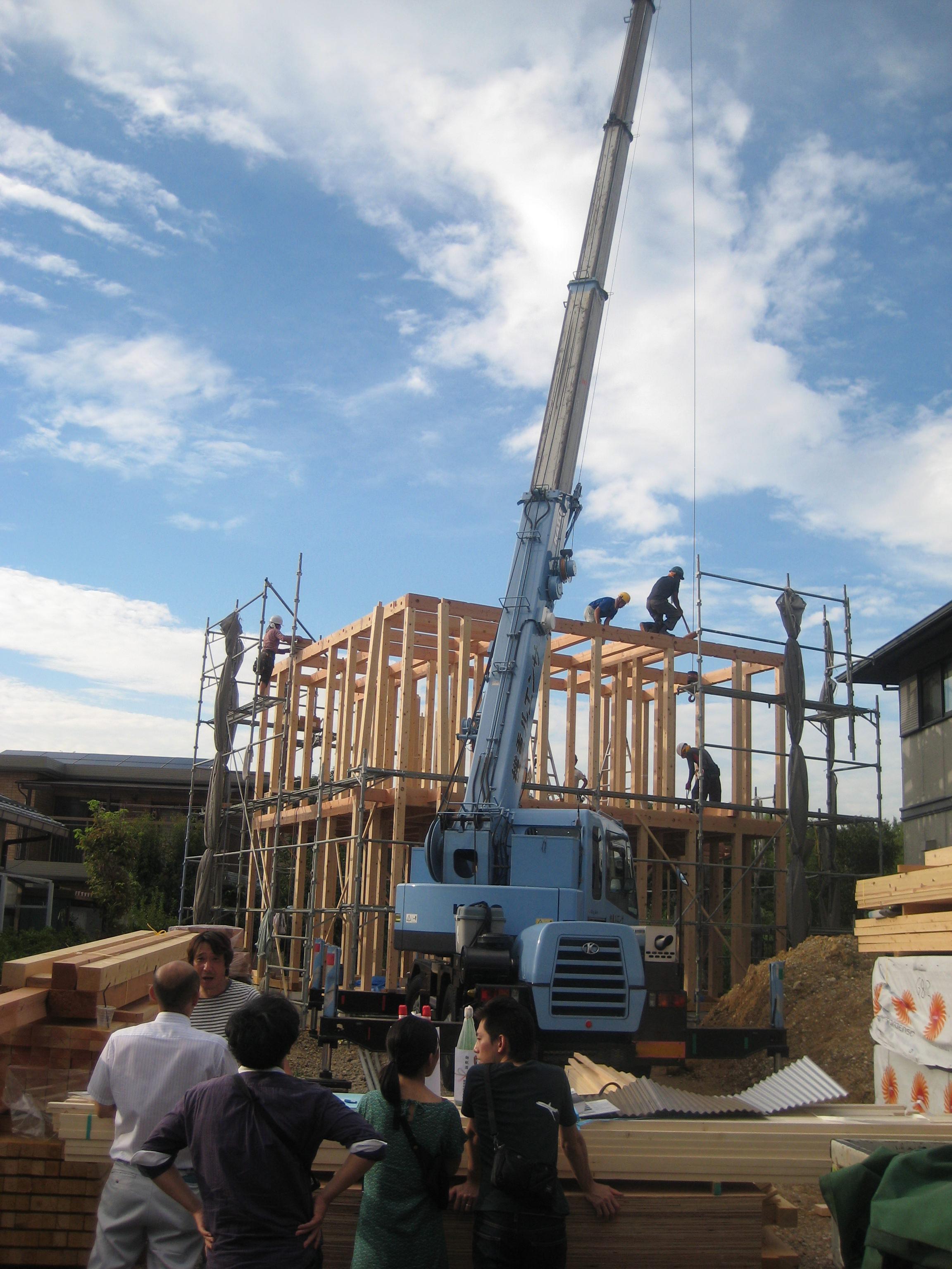 愛知県犬山市「つつじヶ丘の家」木造住宅2階建 2世帯+ヨガ教室 上棟