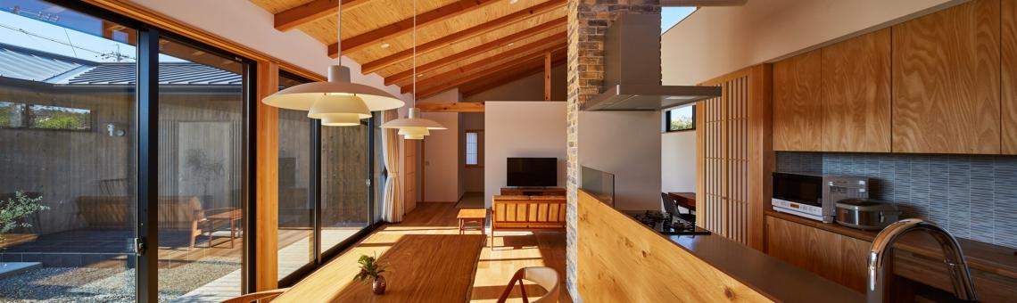 WEB建築サイトhomifyに「和モダンの家」が掲載されました 特集記事 木材の天井が温かく居心地の良い部屋best5!