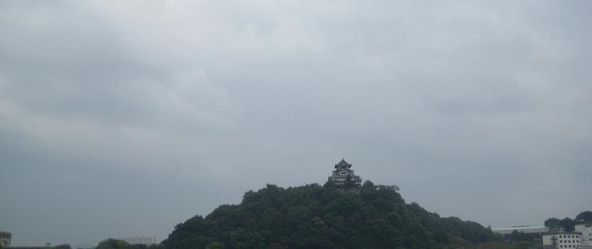 岐阜県側からみた「犬山城」