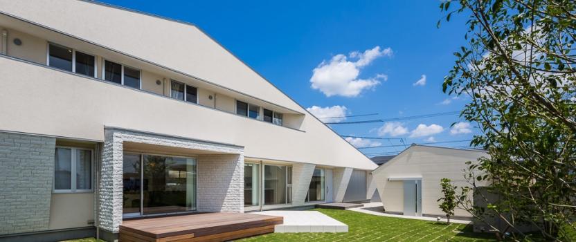 海外のサイトArchitizerに「白珪の家」が紹介されています。