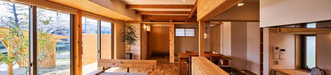WEB建築サイトhomifyに「神守の家」が掲載されました  木の味わいを愉しむ心地のいい家