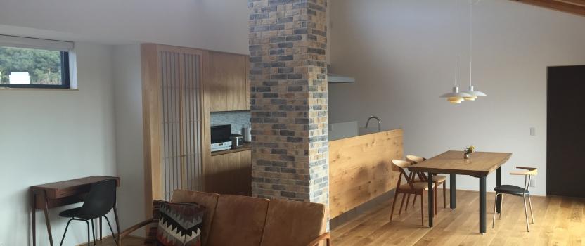三重県桑名市「七和の家」 平屋 コートハウス 国産材 和モダン 北欧家具