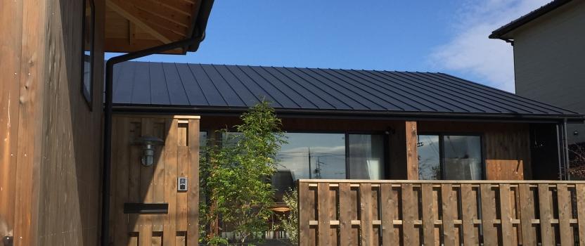 三重県桑名市「七和の家」 平屋 コートハウス 国産材 和モダン 竣工写真